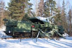 在战斗的情况的一门180 mm铁路火炮大炮TM-1-180在2月晴天 堡垒` Krasnaya戈尔卡` Alexeevsky 库存图片