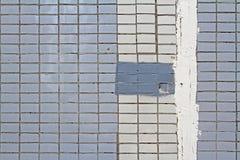 在房子的门面的锦砖 免版税库存照片