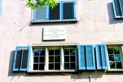 在房子(Spiegelgasse 14)的匾,其中列宁居住 库存图片