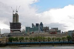 在所有他们的荣耀的伦敦大厦 免版税库存照片