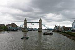 在所有他们的荣耀的伦敦大厦 免版税库存图片