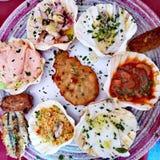 在扇贝壳的海鲜开胃菜 图库摄影
