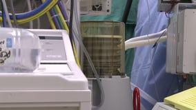 在手术期间的人工呼吸机 影视素材