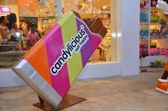 在手段世界圣淘沙的五颜六色的糖果模型 库存照片