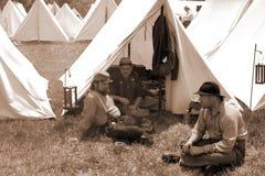 """在扎营的Reenactors Liberty† -贝得福得,弗吉尼亚""""Battle的  免版税库存图片"""