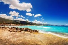 在扎金索斯州海岛上的Alykes海滩 免版税库存图片