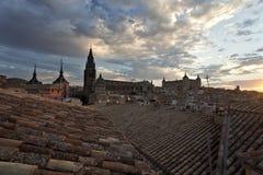在托莱多屋顶日落的 免版税库存图片