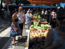 在托萨德马尔肋前缘Brava西班牙的夏天市场 免版税图库摄影