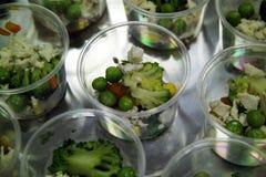 在承办酒席自助餐的开胃菜 免版税库存图片