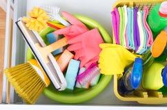 在抽屉的清洁物品 免版税库存照片