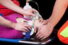 在担架的人工呼吸机 库存图片
