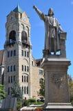 在拉克瓦纳县法院大楼斯克兰顿的,宾夕法尼亚的哥伦布雕象 免版税库存照片