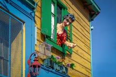 在拉博卡邻里-布宜诺斯艾利斯,阿根廷的五颜六色的大厦 免版税图库摄影