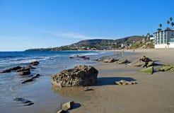 在拉古纳海滩,加州的困空心海滩 免版税库存照片