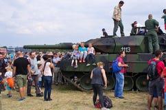 在拉多姆Airshow,波兰的波兰豹子牌坦克 库存照片