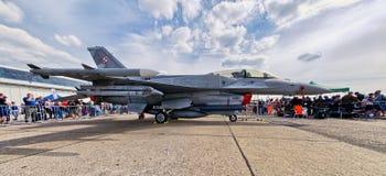 在拉多姆Airshow,波兰的波兰F-16喷气式歼击机 库存图片