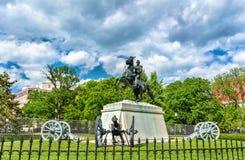 在拉斐特广场的安德鲁・约翰逊将军雕象在华盛顿, D C 库存照片