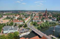 在拉特诺都市风景的鸟瞰图有它的Havel河的和 免版税库存图片