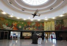 在拉瓜迪亚机场的历史海洋航空终点站里面在纽约 图库摄影