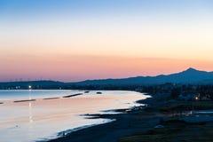 在拉纳卡,塞浦路斯的暮色看法 库存照片