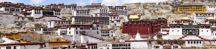 在拉萨,西藏附近的Ganden佛教徒修道院 免版税库存图片