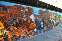 在拉巴斯街道上的街道画  库存图片