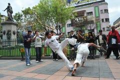 在拉巴斯街道的Capoeira示范  图库摄影