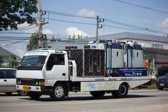在拖车的Maejo幻灯片紧急汽车移动和Ceash汽车的 免版税库存照片