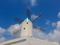 在拜雷阿尔斯的Menorca Sant Lluis圣路易斯Moli de Dalt风车 库存照片