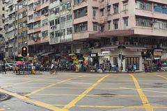 在拥挤的街场面的移动的活动在城市 图库摄影