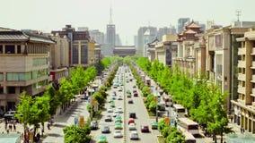 在拥挤的街,西安,陕西,中国上的Timelapse交通 股票录像