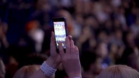 在拳击战斗的电话的射击在圆环的 在圆环的把装箱的战斗 库存图片