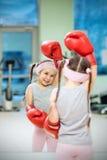 在拳击手套的孩子 图库摄影