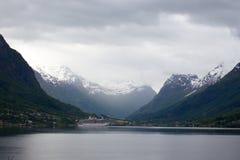 在挪威海湾的游轮 库存图片
