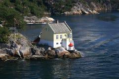 在挪威附近的卑尔根灯塔 免版税图库摄影