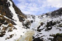 冻在挪威kjossfossen瀑布 免版税图库摄影