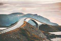 在挪威Storseisundet桥梁的大西洋路 免版税图库摄影