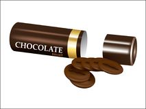 在挺直圆筒管的巧克力饼干 免版税库存图片