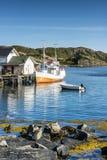 在捕鱼港口停泊的渔船 Lofoten 免版税库存照片