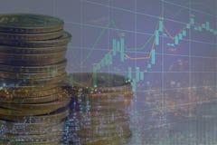 在换与烛台cha的股市或外汇上的投资 免版税库存图片