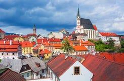 在捷克克鲁姆洛夫的历史中心的看法伏尔塔瓦河河的,捷克共和国 免版税库存图片