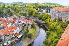 在捷克克鲁姆洛夫老镇的鸟瞰图  免版税图库摄影
