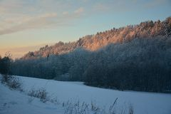 在捷克的山的日出 免版税库存照片