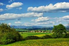 在捷克krkonose横向山之后 免版税库存图片