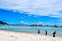 在接近Duong东,越南的Phu Quoc铺沙海滩 免版税库存图片