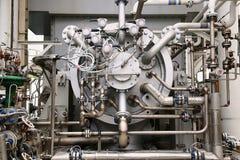 在推进压缩机单位的油和煤气植物中加工涡轮操作的 涡轮与很长时间和控制逻辑一起使用 库存图片