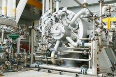 在推进压缩机单位的油和煤气植物中加工涡轮操作的 涡轮与很长时间和控制逻辑一起使用 免版税库存图片