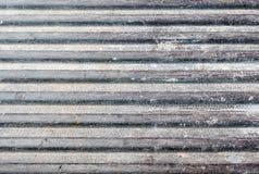 在提取床上的肮脏的划线员地板 库存图片