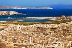 在提洛岛海岛上的古老废墟  免版税库存照片