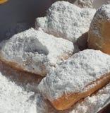 在搽粉的糖的Beignets 免版税库存图片